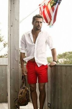 One of the coolest ways for a man to style out a white long sleeve shirt is to marry it with red shorts in a casual combo. Men's Fashion, Mens Fashion Suits, Red Shorts Outfit, Stylish Men, Men Casual, Moda Chic, Mens Clothing Styles, Short Outfits, Pulls