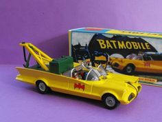 "361 - 1: 43 Corgi Custom ""Yellow"" Batmobile. WTF ?"