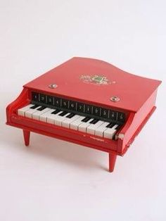 I had this toy piano in Pink .and I remember one of the legs had broken on it .but I loved it . 1970s Childhood, Childhood Memories, Throwback Day, Piano Man, Sweet Memories, The Good Old Days, New Toys, Vintage Toys, Vintage Art