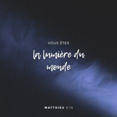 «« Vous êtes la lumière du monde. Quand une ville est construite sur une montagne, elle ne peut pas être cachée.» Bonne Nouvelle selon Matthieu 5:14 PDV http://bible.com/133/mat.5.14.pdv