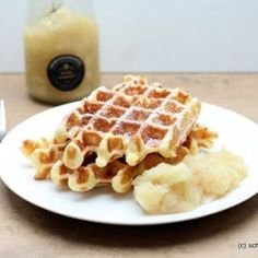 perfect waffle recipe for crispy Belgian waffles - have a nice day! - The perfect basic recipe for crispy Belgian waffles. Mineral water gets into the dough as a secret -The perfect waffle recipe for crispy Belgian waffles - have a nice . Waffle Recipes, Easy Cake Recipes, Pumpkin Recipes, Sweet Recipes, Baking Recipes, Dessert Recipes, Dinner Recipes, Best Pancake Recipe, Belgian Waffles