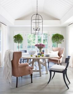 Dining room furniture ideas that are going to be one of the best dining room design sets of the year! Get inspired by these dining room lighting and furniture ideas! Woven Dining Chairs, Mismatched Dining Chairs, Dining Table, Dining Rooms, Dining Area, Sunroom Dining, Dining Room Light Fixtures, Dining Room Lighting, Table Lighting