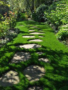 Téma - Záhradné chodníky - inšpirácie • www.stavba-az.sk