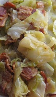 Southern-Style Cabbage 30 Southern Thanksgiving Recipes For The Home Side Dish Recipes, Veggie Recipes, Green Vegetable Recipes, Lima Bean Recipes, Crockpot Side Dishes, Green Bean Recipes, Sausage Recipes, Pumpkin Recipes, Bread Recipes