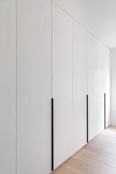 Bedroom Closet Doors, Wardrobe Room, Bedroom Cupboards, Wardrobe Design Bedroom, Bedroom Bed Design, Bedroom Furniture Design, Home Room Design, Home Interior Design, White Wardrobe