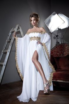 Online Shop New 2014 Arabic Style Long Sleeves Gold Lace and White Appliques Chiffon Abaya Kaftan Evening Prom Dresses With High Slit A Line Evening Dress, Long Sleeve Evening Dresses, Evening Gowns, Sexy Dresses, Nice Dresses, Fashion Dresses, Prom Dresses, Dresses 2014, Bridesmaid Dresses