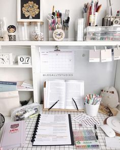 gorgeous cozy dorm room ideas you'll want to copy 34 ~ mantulgan.me gorgeous cozy dorm room ideas you. Study Room Decor, Study Rooms, Study Space, Bedroom Decor, Decor Room, Study Areas, Desk Space, Office Interior Design, Home Office Decor