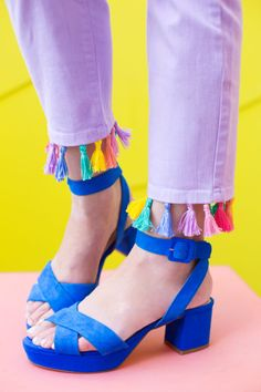 DIY Tassel Jeans | studiodiy.com