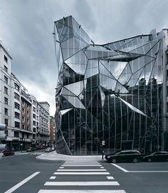 Sede do Departamento de Saúde Basco – Bilbao, Espanha. É superinteressante, fantástico esse edifício.