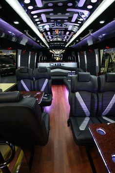 American Luxury Limousine serves Los Angeles, Ventura, and Santa Barbara County. Our LAX limo service & party bus fleet can't be beaten! Jets Privés De Luxe, Luxury Jets, Luxury Private Jets, Private Plane, Luxury Yachts, Luxury Hotels, Party Bus, Private Jet Interior, Bus Interior