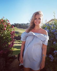 Hayley McQueen hot Sky Sports Girls, Hayley Mcqueen, Sports Presenters, Female News Anchors, Cute Beauty, Little Dresses, Sport Girl, Sports News, Beautiful Women