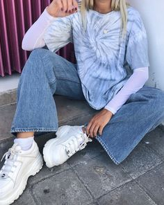 Look Good When Heading Out With These Fashion Tips Tie Dye Fashion, Look Fashion, Fashion Outfits, Womens Fashion, Tomboy Outfits, French Fashion, 80s Fashion, Fashion Tips, Tie Dye Outfits
