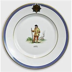 Royal Copenhagen Memorial plate, Uniforms of the Royal Life Guard 1685