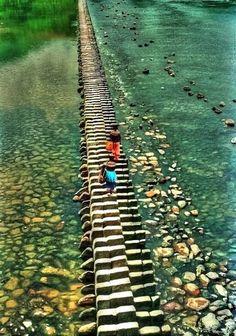 "The ""Piano Bridge"" in Shishui Village, China"