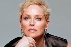 Sharon Stone  La protagonista de Bajos instintos padece diabetes tipo 1 y a pesar de haber estado en coma intermitente debido a un aneurisma...