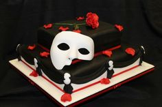 The Phantom of the Opera Cake.....getting this for my birthday!!!!!!