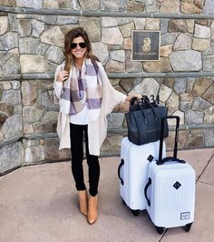 airport outfit, lake tahoe, comfy chic, oversized cardigan, plaid scarf