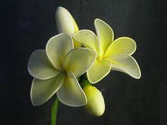 Tutorial on how to make nylon plumeria flowers