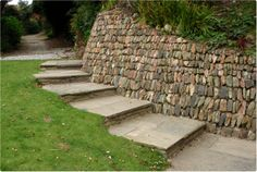 Traditional cornish wall by Iron Orchid Landscapes.