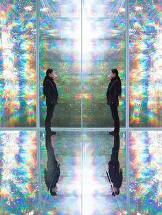 Kimsooja - To Breathe [Centre Pompidou-Metz] Santiago Calatrava, Daniel Libeskind, Frank Gehry, Zaha Hadid, Daegu, Pompidou Metz, Breathe, Different Kinds Of Art, Rainbow Room
