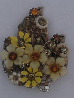 $13.00 Free Shipping, Goldy's Goodies, NY we accept PayPal VINTAGE  GOLD TONE RHINESTONE FLOWER SIGNED ART NOUVEAU BROOCH