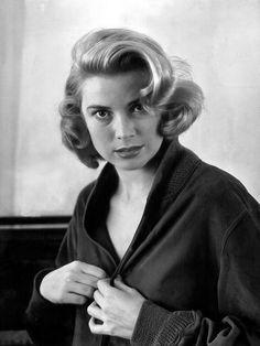 Grace Kelly; by Milton Greene, 1952