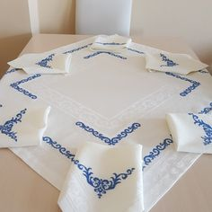 Diy Embroidery, Embroidery Designs, Palestinian Embroidery, Mini Cross Stitch, Felt Art, Table Linens, Cross Stitch Patterns, Headbands, Projects To Try