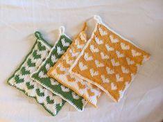 Feriestrikk for Fru Stussli må være helt enkelt. På Sicilia strikket hun grytekluter med hjerter.... Fair Isle Knitting, Knitting Projects, Pot Holders, Knit Crochet, Diy And Crafts, Cross Stitch, How To Make, Kitchen Stuff, Aprons