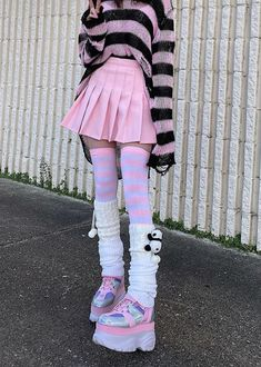 Pastel Goth Outfits, Pastel Goth Fashion, Edgy Outfits, Kawaii Fashion, Grunge Outfits, Cute Casual Outfits, Cute Fashion, Pretty Outfits, Fashion Outfits