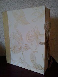 Caja Flores doradas by Antaño y Hogaño