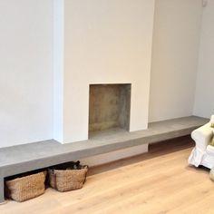 Tadelakt London Home Stucco Fireplace, Home Fireplace, Modern Fireplace, Living Room With Fireplace, Fireplace Design, Living Room Bench, Home Living Room, Living Room Decor, Formal Living Rooms