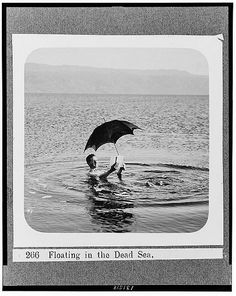 Photo Prompts #018: A Man Afloat. Photo Credit: Library of Congress, LC-USZ62-131518