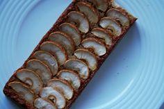 E que vos parece este bolo de banana? Saudável e sem açúcar! Ingredientes:👉4 colheres de sopa de flocos de aveia👉2 bananas 👉2 ovos 👉1 colher de sopa de linhaça moída👉1 colher de sobremesa de fermento👉1 punhado de frutos secos partidos grosseiramente👉 ...