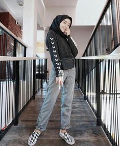 16 Ideas For Style Hijab Casual 2019 Hijab Casual, Hijab Chic, Casual Outfits, Fashion Outfits, Ootd Hijab, Modern Hijab Fashion, Muslim Fashion, Trendy Fashion, Trendy Style