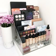 Extra Large VC Palette Holder Makeup Organiser Storage - Schminktische - Make up augen Diy Makeup Organizer, Make Up Organizer, Makeup Storage Organization, Make Up Storage, Bathroom Organization, Diy Storage, Beauty Storage Ideas, Make Up Organization Ideas, Vanity Table Organization