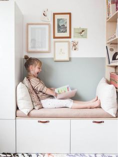 Beautiful reading area in the nursery with IKEA Besta and Stuva. A nice IKEA hack in white and pastel colors. Beautiful reading area in the nursery with IKEA Besta and Stuva. A nice IKEA hack in white and pastel colors. Ikea Hacks, Ikea Hack Kids, Diy Kids Room, Ikea Kids Room, Childrens Book Shelves, Room Ideas Bedroom, Nursery Room, Bedroom Decor, Bedroom Girls