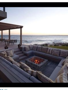 ✿⊱❥ Sunken fire pit seating area - love it!