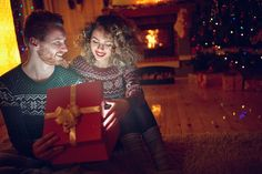 6 #Gifts you must give her to make her #happy stay connected with #Couponscop #CouponscopBlog for more saving tips