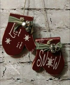 Wooden Mittens, Handcut, stenciled and adorned with ribbon and jingle bells. – Keep up with the times. Christmas Wood Crafts, Christmas Signs, Christmas Projects, Christmas Crafts, Christmas Decorations, Christmas Stuff, Wooden Ornaments, Xmas Ornaments, Barn Wood Projects