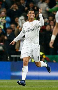 Real Madrid vs Wolfsburg Cristino Ronaldo, Cristiano Ronaldo Cr7, Good Soccer Players, Isco, Gareth Bale, Tyga, Real Madrid, Champion, Football