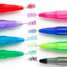 Bic Round Stick Ballpoint Pen 8set ラウンドスティックEZ 8本セット  NEW!! 商品番号 ft113  なめらかな書き味が魅力のラウンドスティックEZの8色セット。きれいなレインボーカラーで8色揃うので 手帳やノートの書き込みもぐっとカラフルに楽しめます。  サイズパッケージ / 幅7.3 × 高さ19.8 × 奥行2.2 (cm) 本体 / Φ8.0 × 高さ15.1 (cm) 素材本体/PP、ケース/PVC 生産日本 パッケージPP帯巻き 備考ペン先0.7mm、インク色/黒・赤・青・緑・紫・ピンク・ターコイズブルー・ライムグリーン、油性 692円(税込)