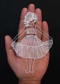 Artista chama atenção com trabalhos de recorte de papel