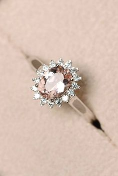 Rose gold engagement rings have a feminine and romantic look. These rings is a f… Rose gold engagement rings have a feminine and romantic look. These rings is a f…,Schmuck Rose gold engagement rings. Budget Friendly Engagement Rings, Engagement Rings Under 1000, Cheap Engagement Rings, Princess Cut Engagement Rings, Antique Engagement Rings, Rose Gold Engagement Ring, Halo Engagement, Different Engagement Rings, Engagement Ring Engraving