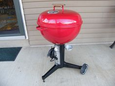 The Weber Kettle Club Community certainly owns more vintage Weber grills and vintage bbq accessories than ANY other community - now its time to showcase the pri Weber Grills, Weber Bbq, Bbq Grill, Grilling, Pit Beef, Weber Kettle, Bbq Accessories, Charcoal Grill, Restoration
