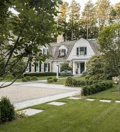 9 Ways to Get Maximum Curb Appeal - The Traditional List