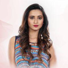 Girl Photo Poses, Girl Photos, Hot Actresses, Indian Actresses, Shivani Surve, Saree Backless, Indian Heritage, Cute Beauty, India Beauty