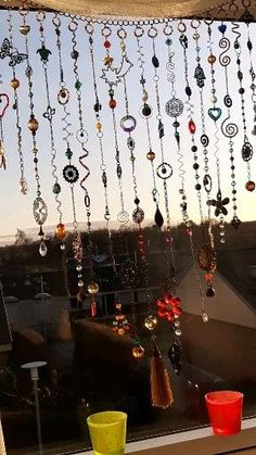 A gorgeous suncatcher made to bring sunshine boho mood in your home and in your souls! decor diy videos Crystal suncatcher, Beaded window curtain, Boho home decor Carillons Diy, Diy Crafts, Sun Catchers, Hippie Stil, Hippie Bohemian, Diy Wind Chimes, Homemade Wind Chimes, Shell Wind Chimes, Crystal Wind Chimes