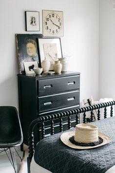vintage decor in guest bedroom. / sfgirlbybay