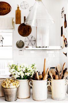 KT Home Collection by Australian stylist and photographer Kara Rosenlund Beautiful Kitchen Designs, Beautiful Kitchens, Home Decor Accessories, Kitchen Accessories, Cozinha Shabby Chic, Kitchen Styling, Kitchen Decor, Kitchen Ideas, Farmhouse Style Kitchen