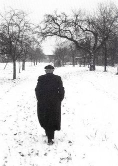Henri Cartier-Bresson it makes so lonely winter is cold and most life are been lost in that time . very sadness picture